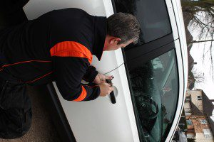 car locksmith nottingham , car opening nottingham